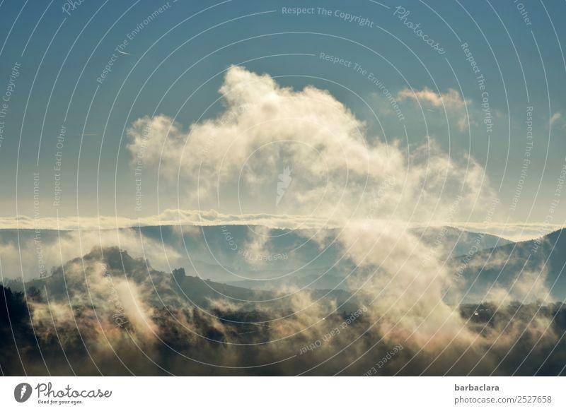 luftig | auf dem Klippeneck Ausflug Natur Landschaft Urelemente Erde Luft Himmel Wolken Klima Hügel Berge u. Gebirge Kleinstadt hoch blau Stimmung erleben