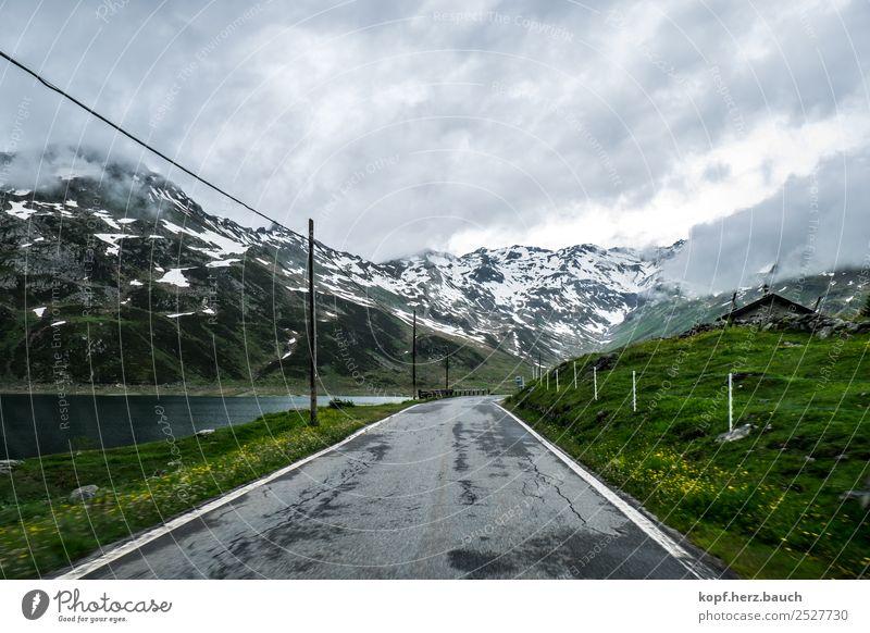 Wo ein Wille ist... Landschaft Wolken schlechtes Wetter Alpen Berge u. Gebirge Verkehr Verkehrswege Autofahren Straße Wege & Pfade Hochstraße