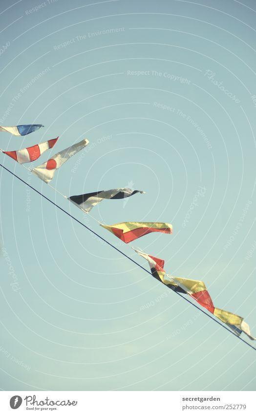 """""""Wir machen das mit den fähnchen!"""" blau weiß rot Feste & Feiern Wind retro Dekoration & Verzierung Fahne Zeichen Jahrmarkt Nostalgie Neigung Politik & Staat"""