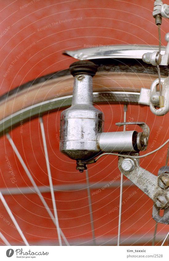_dynamo rot Fototechnik dynamo. fahrrad