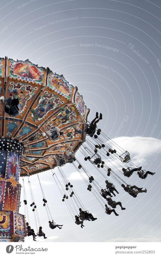 Hochsitz Freude Freizeit & Hobby Sommer Oktoberfest Jahrmarkt Mensch Menschengruppe Luftverkehr Zeichen Schriftzeichen Ziffern & Zahlen Ornament Graffiti