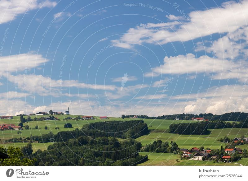 Landschaft in Österreich Ferien & Urlaub & Reisen Tourismus Ausflug Ferne Freiheit Sommerurlaub wandern Natur Himmel Wolken Dorf Haus frei schön Stimmung Wald