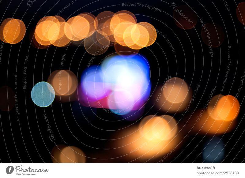 Die Lichter verschwimmen Lifestyle Nachtleben dunkel Farbe Unschärfe Glitter Hintergrund blitzen Brennpunkt farbenfroh Kreis Beleuchtung glühen Neonröhren
