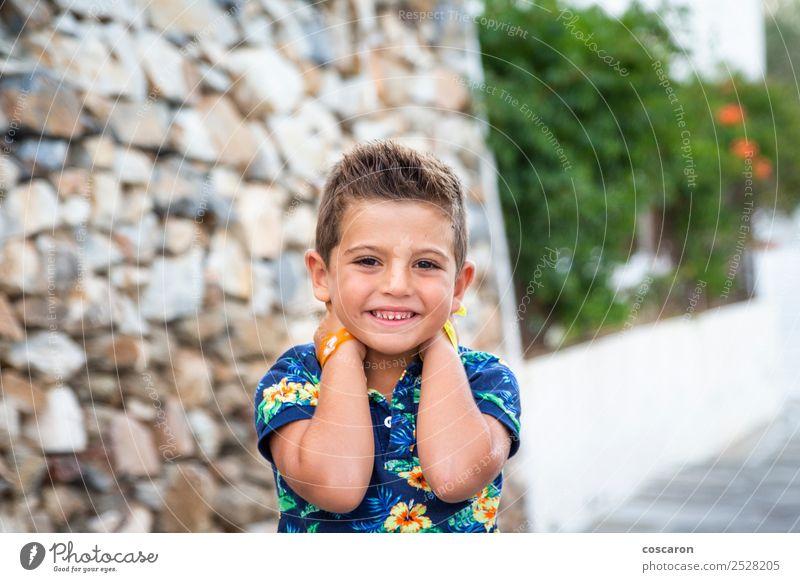 Kind Mensch Mann Sommer blau schön weiß Blume Gesicht Erwachsene Stil Glück Junge klein Mode Stein