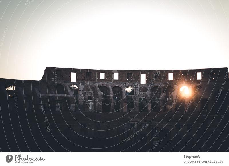 Kolosseum bei Sonnenuntergang Ferien & Urlaub & Reisen Tourismus Ausflug Sightseeing Städtereise Sommer Sommerurlaub Museum Architektur Sonnenaufgang Rom