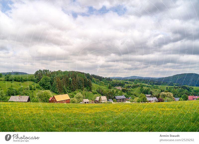 Dorf in Sachsen ruhig Ferien & Urlaub & Reisen Tourismus Ausflug Abenteuer Ferne Freiheit wandern Umwelt Natur Landschaft Himmel Wolken Frühling Sommer