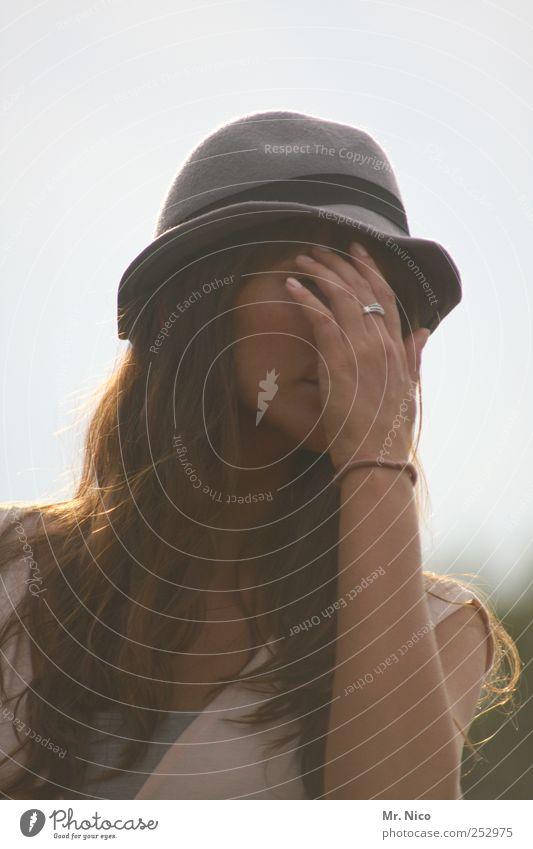 change Frau Hand schön Gesicht feminin Erwachsene Stil Traurigkeit Angst Arme Haut Mode Wandel & Veränderung Hoffnung Trauer Kleid