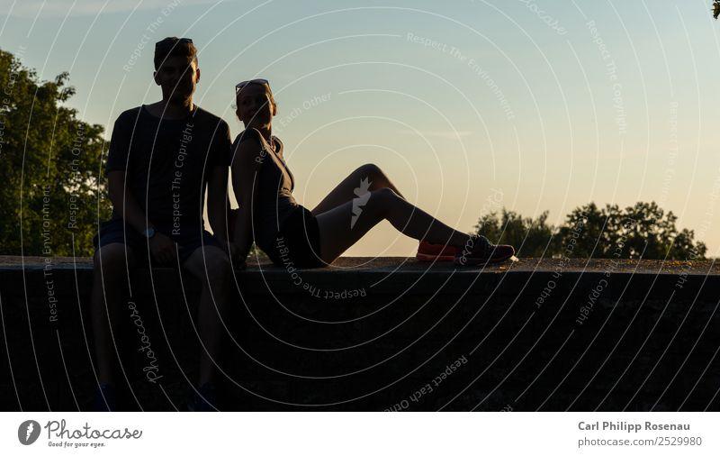 Auf der Mauer, auf der Lauer Ferien & Urlaub & Reisen Sommer Sommerurlaub Mensch Junge Frau Jugendliche Junger Mann Paar Partner 2 18-30 Jahre Erwachsene