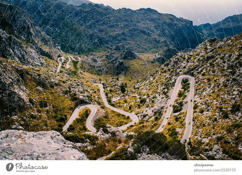 Serpentinen auf Mallorca Ferien & Urlaub & Reisen Natur Landschaft Ferne Berge u. Gebirge Straße gelb Umwelt Tourismus Freiheit Felsen Ausflug wandern Verkehr
