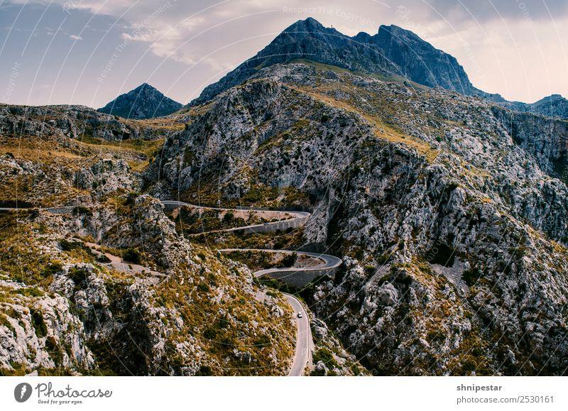 Serpentine auf Mallorca Ferien & Urlaub & Reisen Sommer Landschaft Sonne Meer Strand Berge u. Gebirge Straße Umwelt Tourismus Freiheit Ausflug wandern PKW