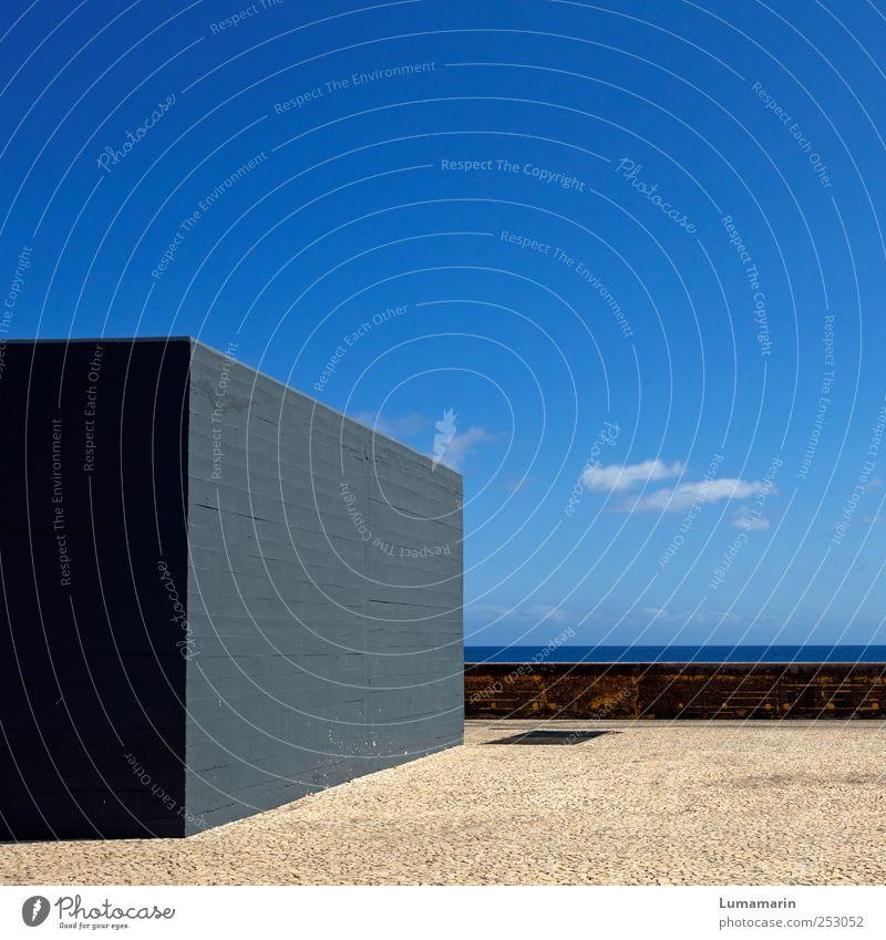 Blocksatz Umwelt Himmel Horizont Schönes Wetter Meer Atlantik Insel Madeira Hafenstadt Bauwerk Gebäude Architektur Mauer Wand Stein Beton eckig einfach groß