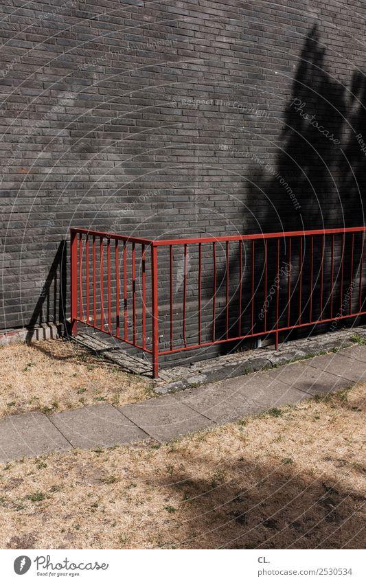 geländer Sommer rot Haus Wärme Wand Wege & Pfade Gras Mauer Metall Klima Sicherheit Geländer Treppengeländer Klimawandel Dürre