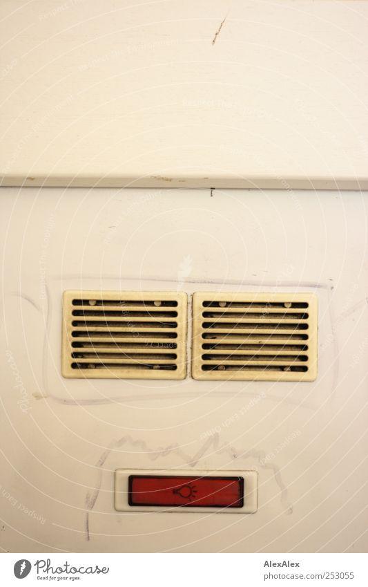 Face- to- Face Contact weiß rot Gesicht schwarz Wand sprechen Mauer dreckig Wohnung Fassade Coolness Häusliches Leben Kommunizieren Technik & Technologie Kitsch
