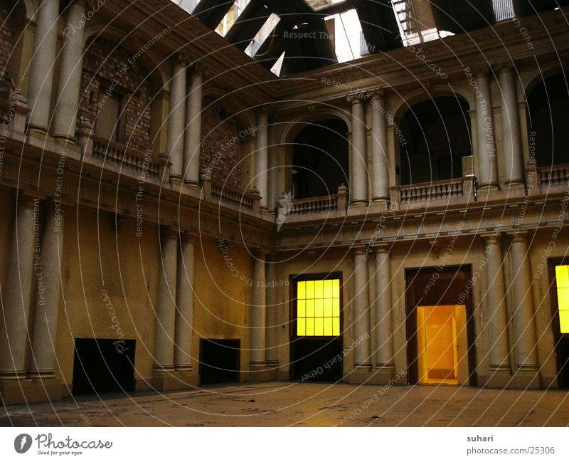 Restauration Gebäude Renaissance verfallen Architektur Innenansicht 19 Jahrhundert Hochrenaissance Berlin Innenaufnahme