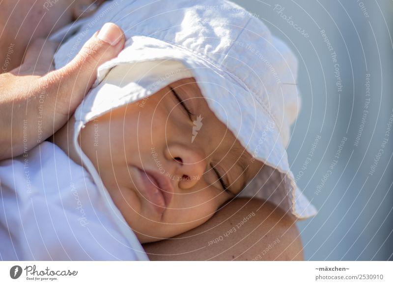 Mittagsschlaf Kind Baby Kleinkind Gesicht Hut liegen schlafen träumen Gefühle Glück Vertrauen Sicherheit Schutz Geborgenheit Warmherzigkeit Sympathie Liebe
