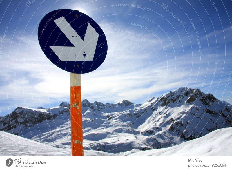 schifoan Himmel Natur Ferien & Urlaub & Reisen Landschaft Winter kalt Berge u. Gebirge Umwelt Schnee Schilder & Markierungen Klima Schönes Wetter Gipfel Alpen