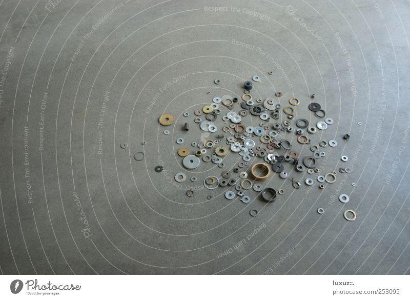 Durcheinander Metallwaren rund chaotisch Werkstatt durcheinander Handwerker Schraube unordentlich Auswahl Metallring