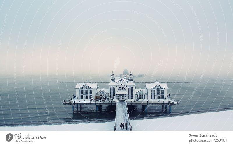 Wintertraum Himmel Ferien & Urlaub & Reisen Strand Meer Winter Haus Schnee Umwelt Küste Wellen Eis Fassade Nebel Ausflug Tourismus Insel