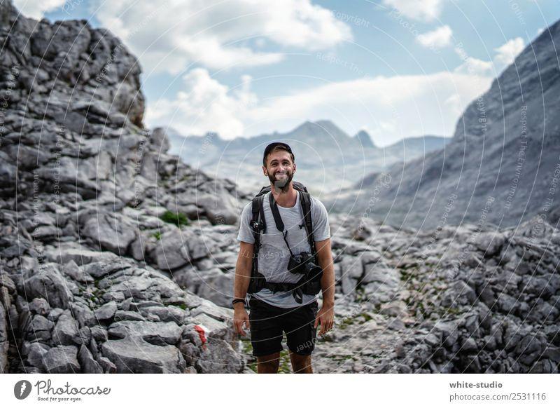 Friendly Wanderer Mensch Ferien & Urlaub & Reisen Jugendliche Mann Sommer Berge u. Gebirge 18-30 Jahre Erwachsene Tourismus Ausflug wandern Abenteuer Gipfel