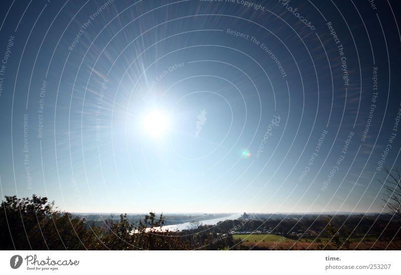 und dahinten das Meer Himmel Wasser Sonne Ferne Umwelt Landschaft Wege & Pfade Zufriedenheit Horizont Wandel & Veränderung Unendlichkeit Schifffahrt Kanal