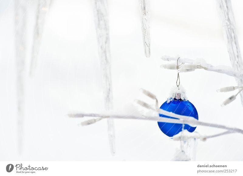 Weihnachtspostkarte blau Weihnachten & Advent weiß Winter Schnee hell Eis Frost Dekoration & Verzierung Kugel Christbaumkugel Eiszapfen Weihnachtsdekoration