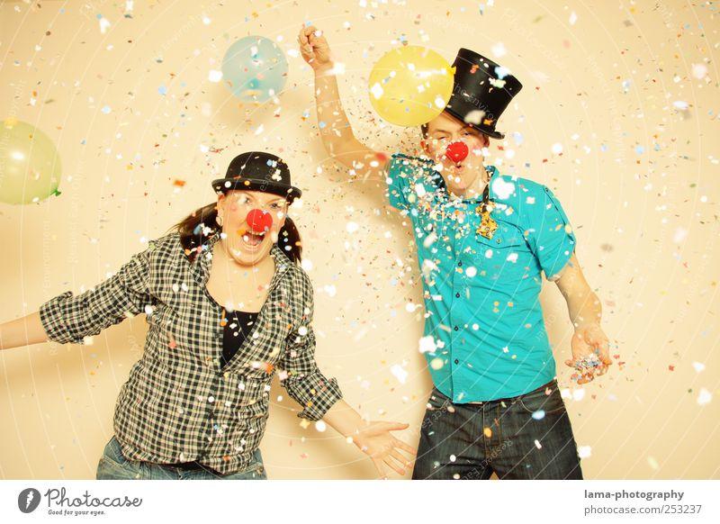 [400] CELEBRATION TIME Feste & Feiern Karneval Geburtstag Clown Mensch Junge Frau Jugendliche Junger Mann Freundschaft 2 18-30 Jahre Erwachsene Zylinder Melone