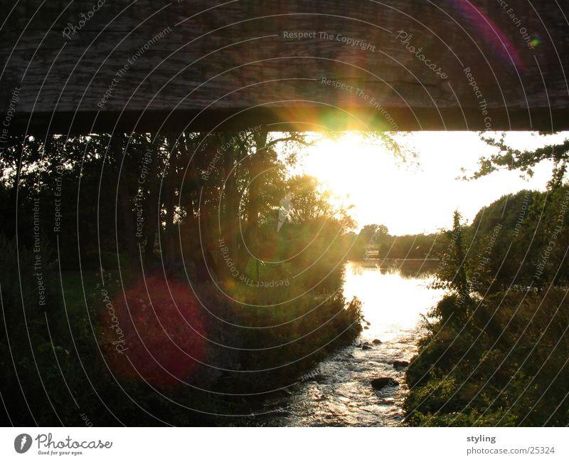 Sonnenschein Sonnenuntergang Holz Ems Sonnenstrahlen Baum Brücke Wasser Fluss sun