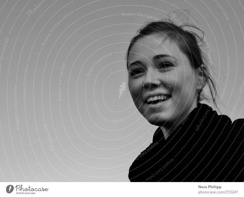 openhearted Mensch feminin Junge Frau Jugendliche Erwachsene Kopf Haare & Frisuren Gesicht Auge Nase Mund Zähne 1 18-30 Jahre Pullover brünett glänzend lachen