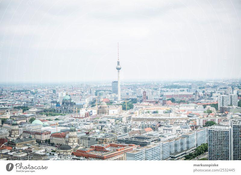 Blick über Berlin Ferien & Urlaub & Reisen Tourismus Ausflug Abenteuer Sightseeing Stadtzentrum Skyline Hochhaus Bauwerk Gebäude Architektur Sehenswürdigkeit
