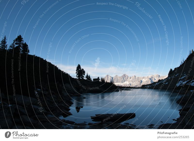 spiegelsee Himmel Natur blau Wasser Einsamkeit Landschaft ruhig schwarz Berge u. Gebirge Umwelt Herbst außergewöhnlich See Felsen einzigartig Schönes Wetter