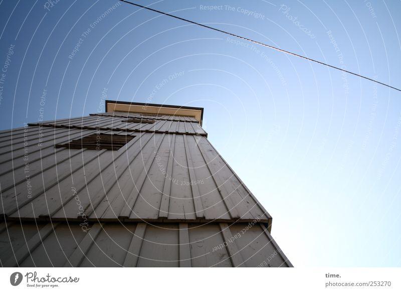 Drahtseilakt (reprise) | ChamanSülz blau oben Holz hell Linie hoch Seil Perspektive Kabel Turm Macht Stahlkabel parallel Erwartung eckig erhaben