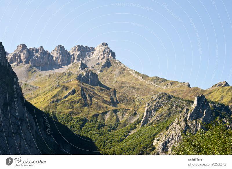 Schummel-Dolomiten Natur Landschaft Wolkenloser Himmel Schönes Wetter Hügel Felsen Berge u. Gebirge Pyrenäen Gipfel Schlucht außergewöhnlich ruhig beeindruckend
