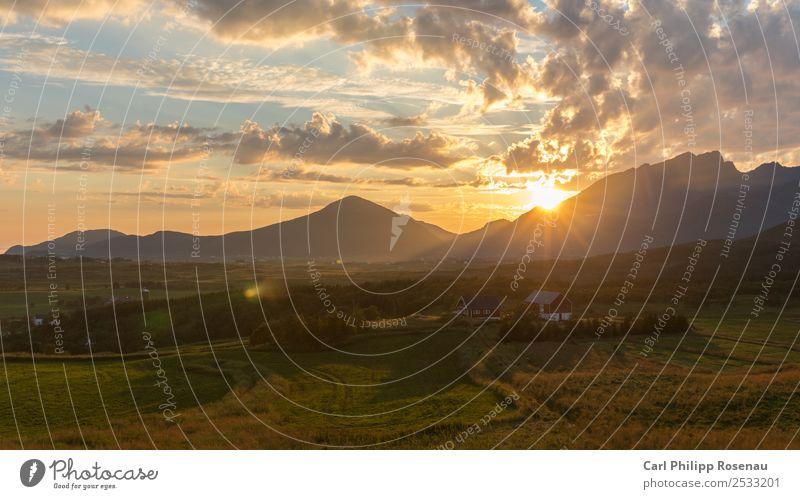 Mitternachtssonne Ferien & Urlaub & Reisen Ferne Sommer Sommerurlaub Sonne Berge u. Gebirge Natur Landschaft Himmel Wolken Sonnenaufgang Sonnenuntergang
