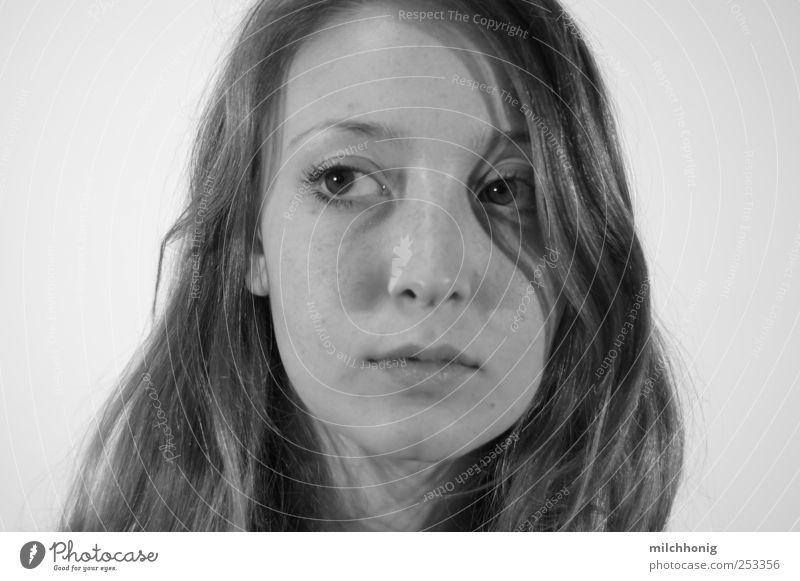 Portrait Mensch Jugendliche schön Erwachsene feminin träumen Stimmung elegant ästhetisch Perspektive Zukunft einzigartig 18-30 Jahre beobachten Neugier