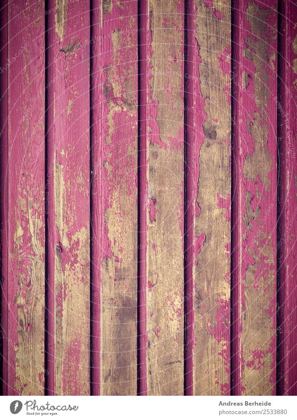 Alte Holzwand in pink, abblätternde Farbe, Farbreste Design Snowboard Natur Mauer Wand alt dreckig retro rosa Nostalgie Vergänglichkeit Wandel & Veränderung