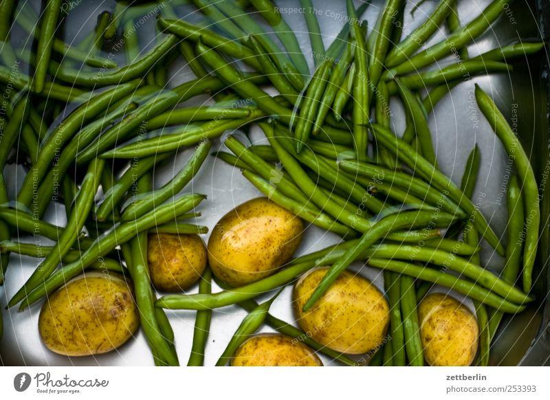 Kartoffeln und Bohnen Wasser grün Ernährung Lebensmittel frei frisch Wachstum Küche Sauberkeit Reinigen Ernte Wachsamkeit Diät Bioprodukte Mittagessen