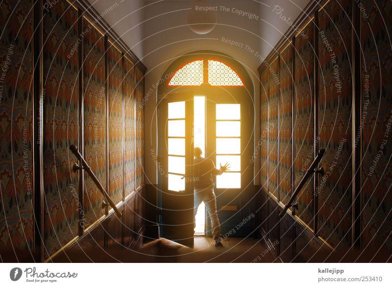 tag der offenen tür Mensch maskulin Mann Erwachsene 1 Fenster Tür Häusliches Leben Flur Haus Innenaufnahme Eingangstür aufmachen Geländer Zentralperspektive