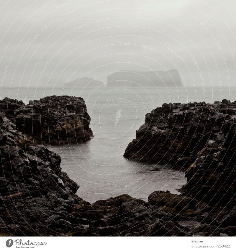 Surtsey Natur Landschaft Urelemente Erde Wasser Klima Wetter schlechtes Wetter Wind Nebel Regen Gewitter Felsen Berge u. Gebirge Vulkan Wellen Küste Flussufer