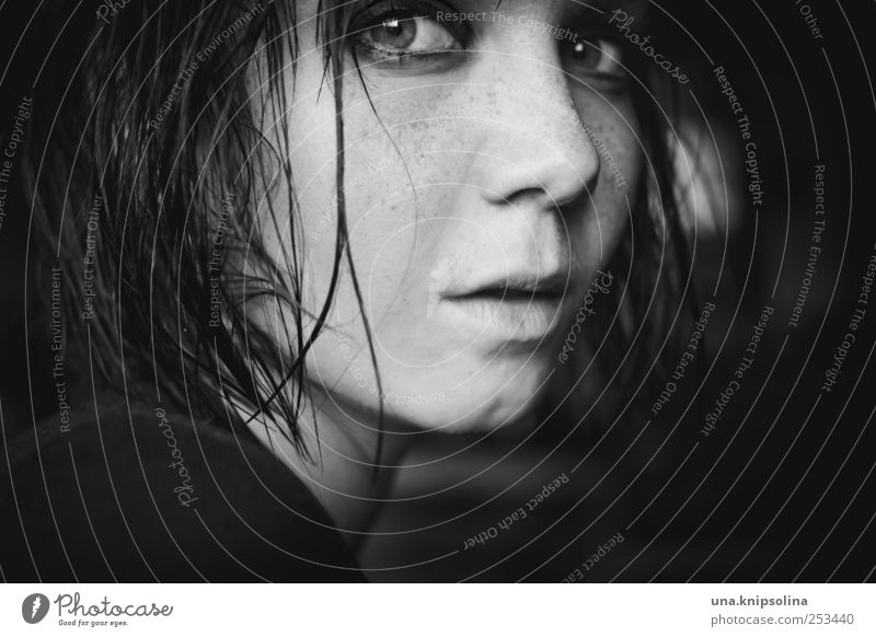 one day like this Frau Mensch Jugendliche schön Erwachsene feminin dunkel Gefühle Haare & Frisuren Stimmung nass wild Coolness 18-30 Jahre Kosmetik Leidenschaft