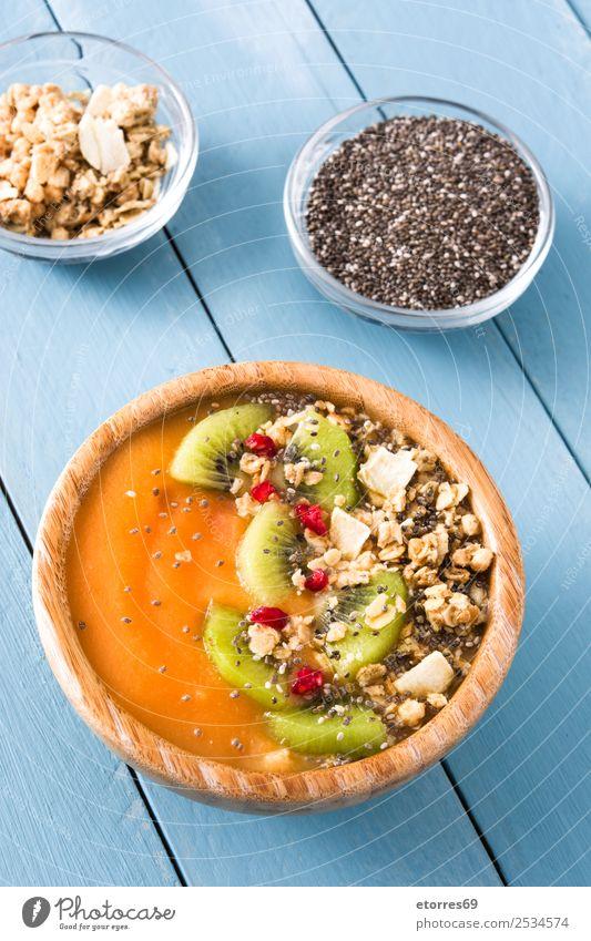 Smoothie mit Obst, Getreide und Chia Milchshake Joghurt Himbeeren Müsli Kiwi Frucht Zerealien Mango Pudding Molkerei Gesundheit Gesunde Ernährung