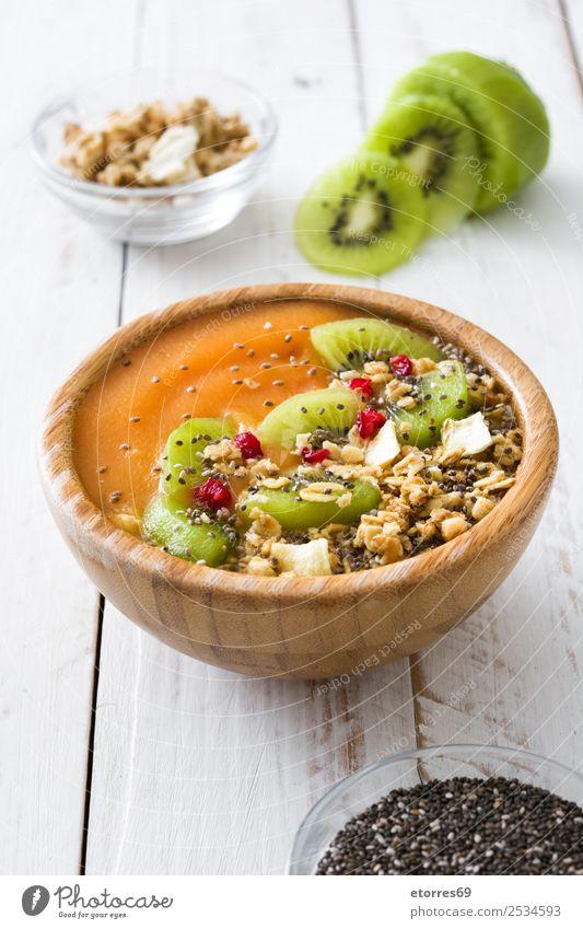 Smoothie mit Obst, Getreide und Chia Lebensmittel Gesunde Ernährung Speise Foodfotografie Joghurt Milcherzeugnisse Gemüse Frucht Essen Frühstück organisch Diät