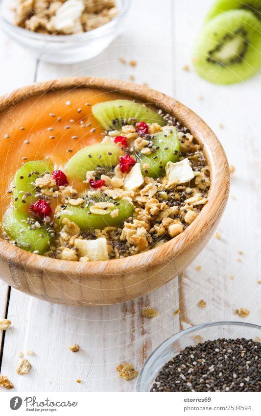 Gesunder Smoothie mit Obst und Getreide Lebensmittel Gesunde Ernährung Foodfotografie Joghurt Frucht Dessert Frühstück Bioprodukte Vegetarische Ernährung