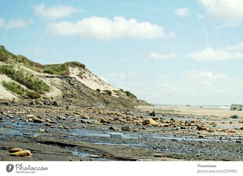 Düne mit Moräne Natur Wasser blau Ferien & Urlaub & Reisen Sommer Strand Meer Wolken Umwelt Landschaft Gefühle Sand Stein Küste Ausflug Urelemente