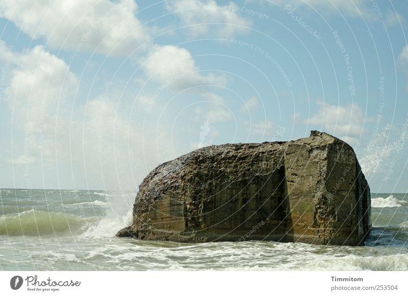 Da steh ich nun... Himmel Natur Ferien & Urlaub & Reisen blau Wasser Sommer Wolken Umwelt Küste grau Wellen ästhetisch Beton Schönes Wetter Urelemente fest