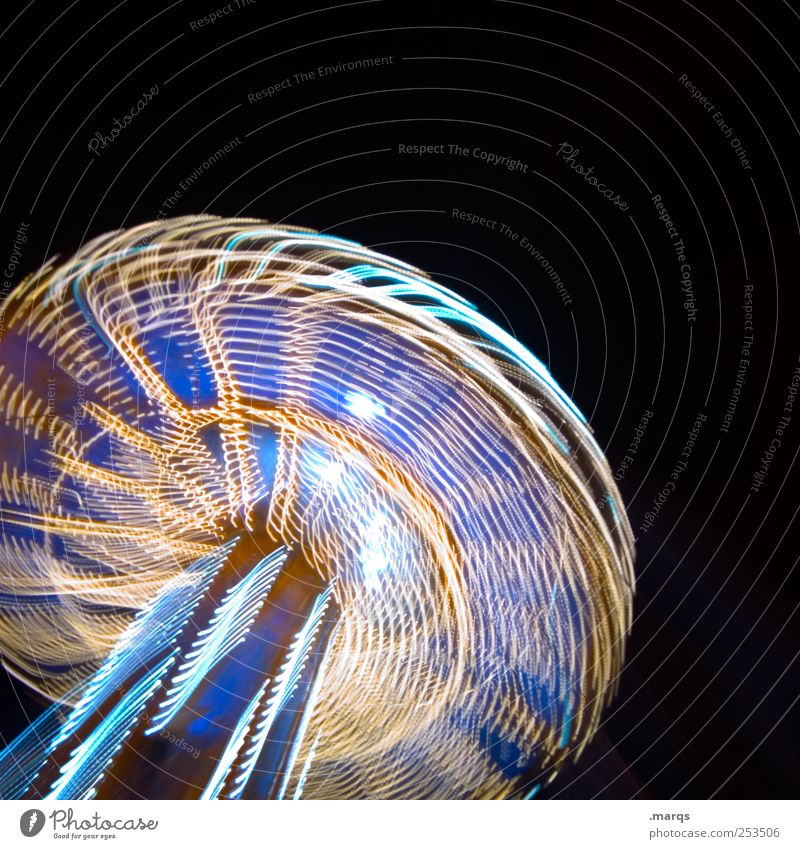 Lightspeed Freude dunkel Kindheit Fröhlichkeit Geschwindigkeit Lifestyle außergewöhnlich leuchten drehen Jahrmarkt Begeisterung Euphorie Karussell