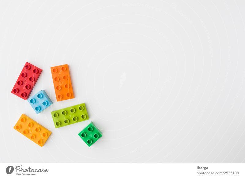 Kind blau Farbe grün weiß rot Freude gelb Gebäude Spielen Design Freizeit & Hobby Kindheit Kunststoff Spielzeug Backstein