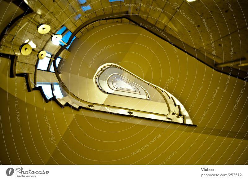stairwell to ... Gebäude Architektur Treppe alt hoch Ordnungsliebe Flur Treppenhaus Farbfoto Innenaufnahme Weitwinkel