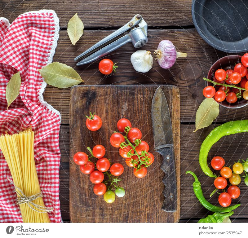 Farbe rot schwarz Essen gelb Holz braun oben Linie Ernährung frisch groß Kräuter & Gewürze Gemüse Tradition Backwaren