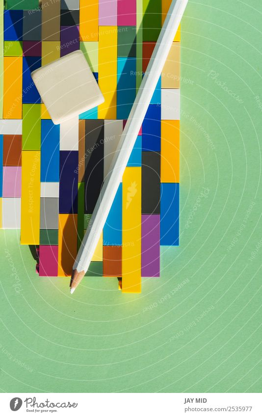 Bleistift auf dem Ziegelstein bunt, Back to School Konzept Design Bildung Schule Arbeit & Erwerbstätigkeit Business Kunst Papier Schreibstift zeichnen schreiben