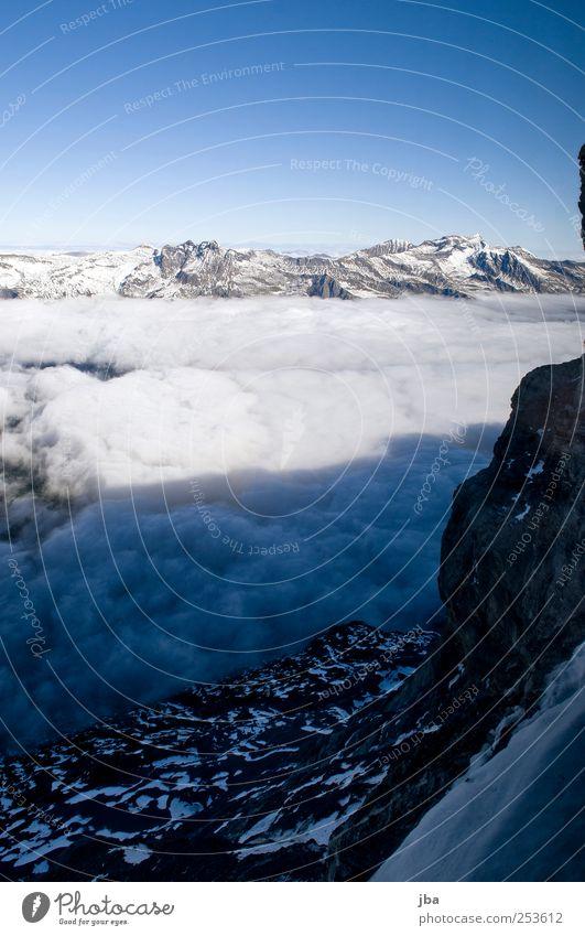Blick aus der Nordwand Natur Ferien & Urlaub & Reisen Sommer Wolken ruhig Ferne Leben Herbst Umwelt Freiheit Berge u. Gebirge Felsen Nebel Ausflug hoch wandern